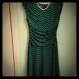 A zigzag green dress